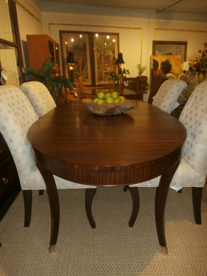 Ethan Allen Table And Chairs At The, Ethan Allen Discontinued Dining Room Furniture