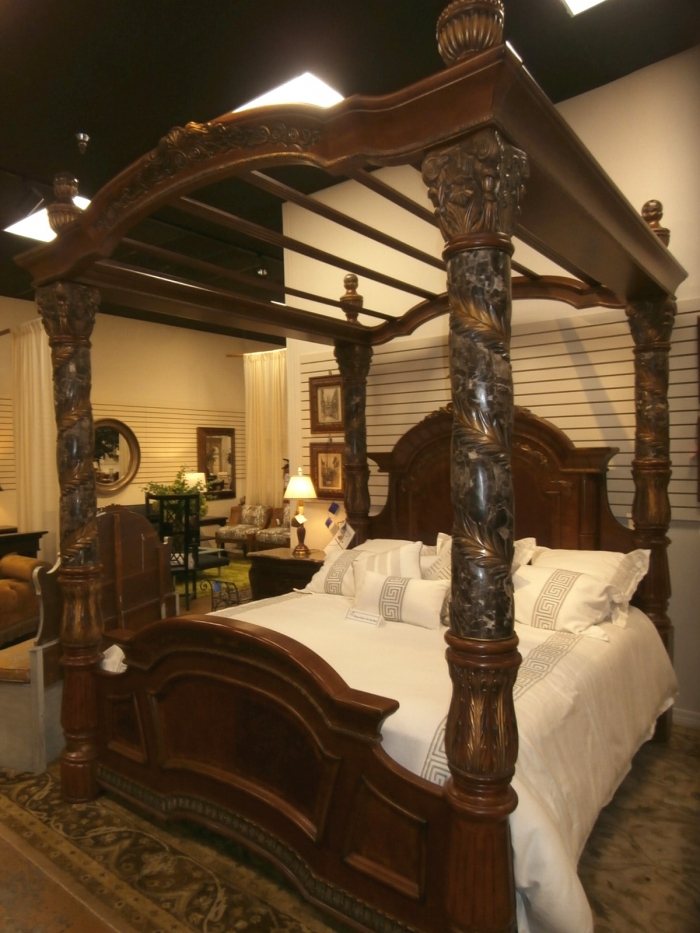 Aico Canopy Bed At The Missing Piece