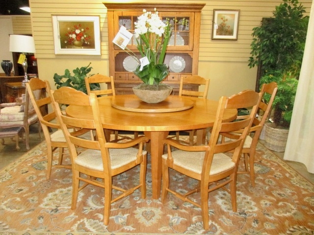 Drexel Heritage Table w/6 Chairs at The Missing Piece