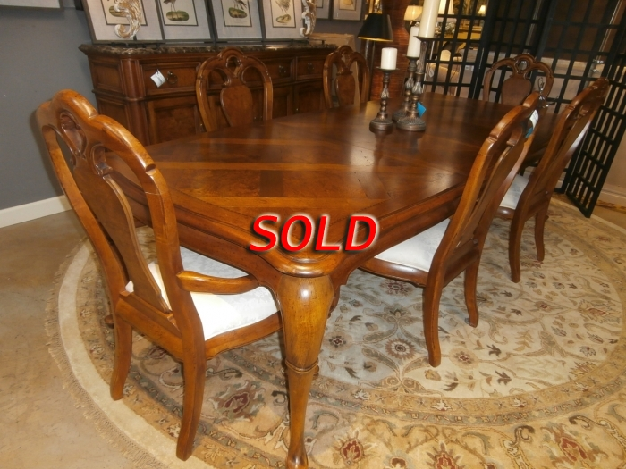 Thomasville Dining Table Chairs At The Missing Piece
