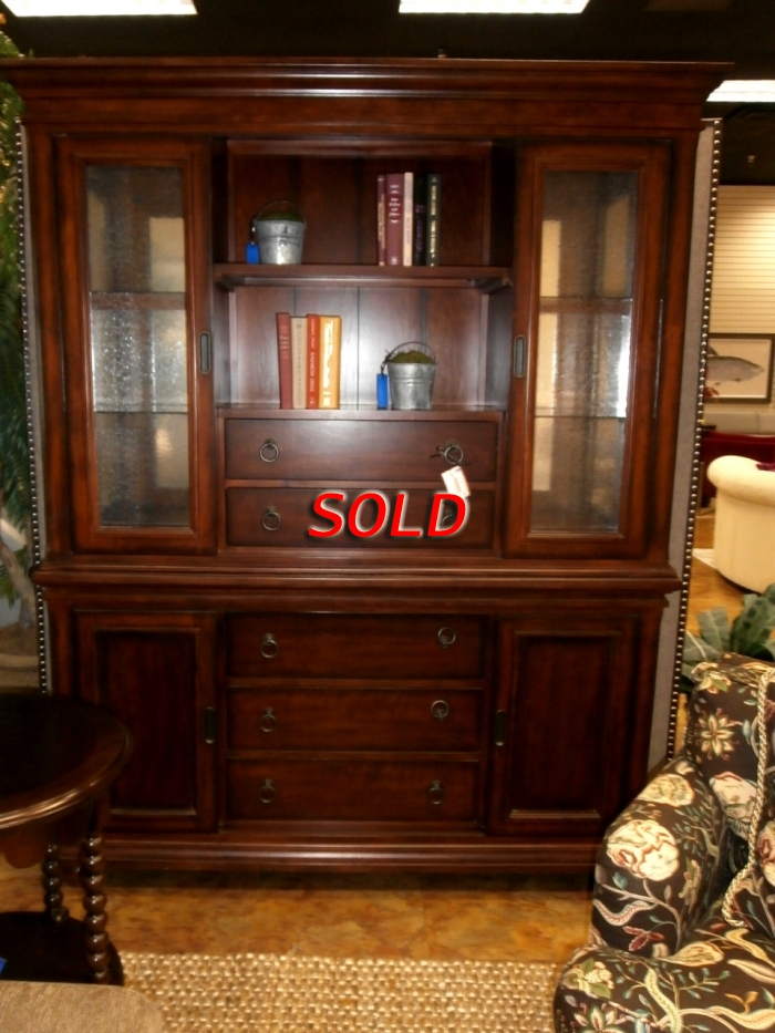 Rooms To Go Cabinet At The Missing Piece